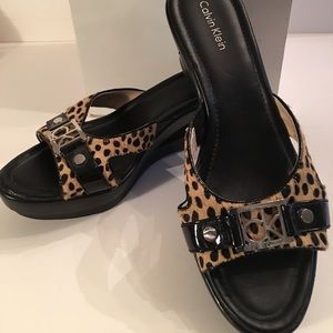Calvin Klein wedge size 7 leopard sandals